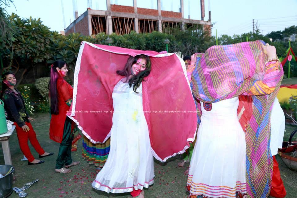 holi party dance